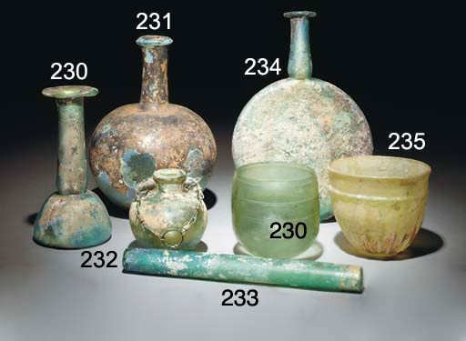 THREE ROMAN GREEN GLASS UNGUEN