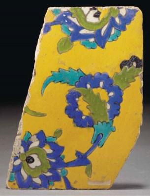 A fragmentary Isfahan Cuerda S