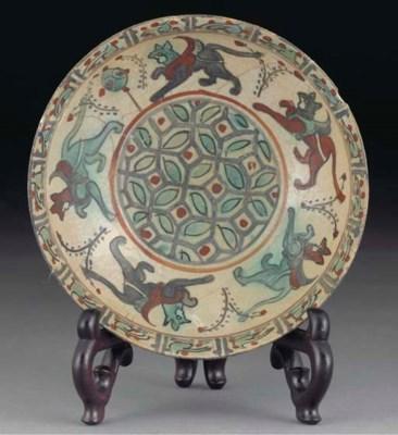 A Mina'i pottery rounded bowl,