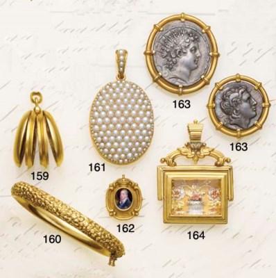 A 19th century gold swivel fob