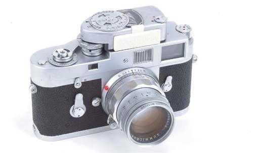 Leica M2 no. 1030052