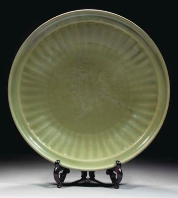 A large Longquan celadon charg