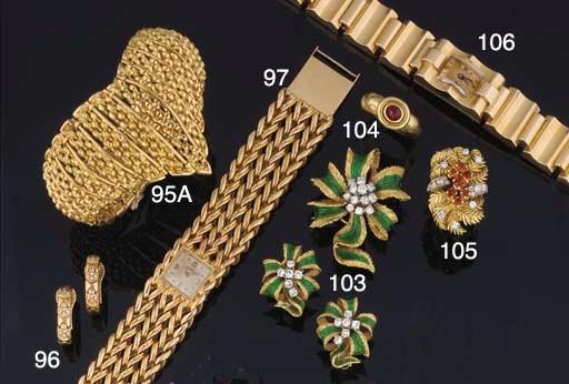 A lady's Retro bracelet watch