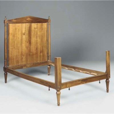 A FRENCH PROVINCIAL WALNUT BED