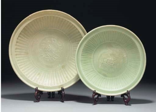 Two Chinese Longquan celadon c