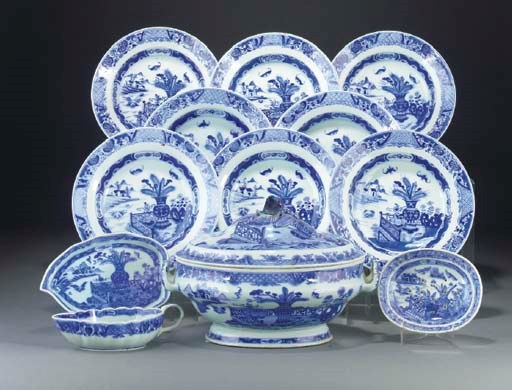 Nineteen Chinese blue and whit