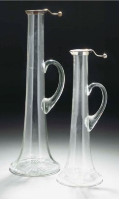 A WHITE METAL MOUNTED CLEAR GL