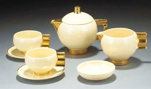 AN EARTHENWARE COFFEE SERVICE