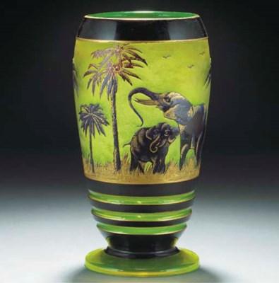 A GILT CAMEO GLASS VASE