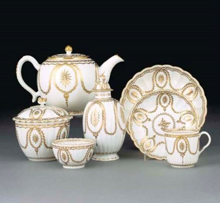 A Worcester white and gilt ree