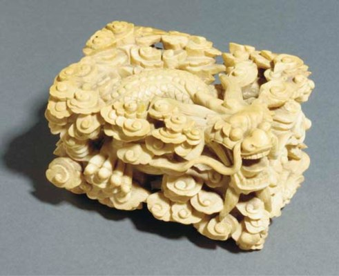 A carved ivory stand, 18th cen