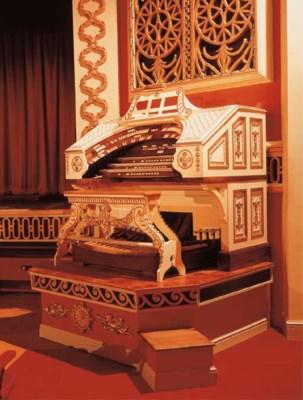 A Wurlitzer Cinema Organ