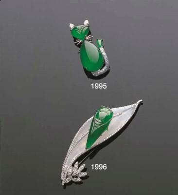 A JADEITE AND DIAMOND CLIP BRO