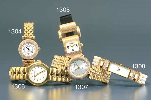 PIAGET. A LADY'S 18K GOLD RECT