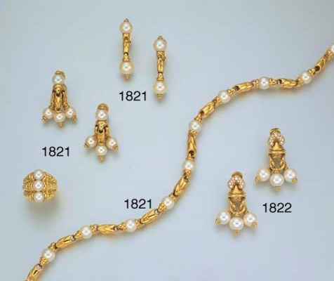 A SUITE OF 18K GOLD AND CULTUR