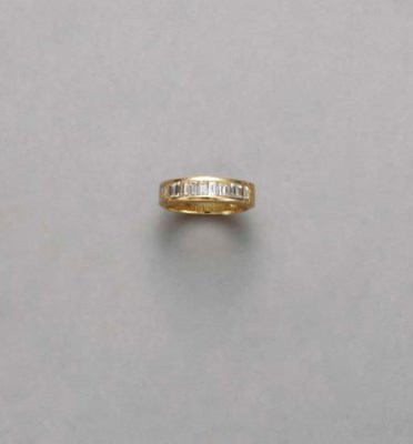 A DIAMOND AND 14K GOLD RING