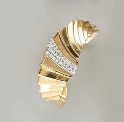 A DIAMOND AND 14K GOLD CUFF BR