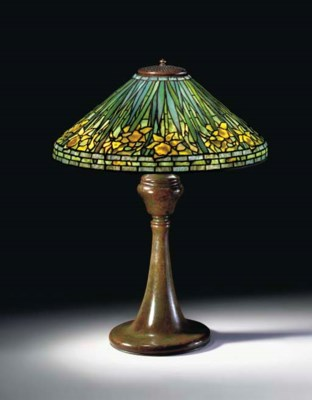 A 'DAFFODIL' LEADED GLASS AND