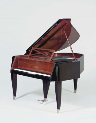 A BLACK LACQUER, ROSEWOOD, IVO