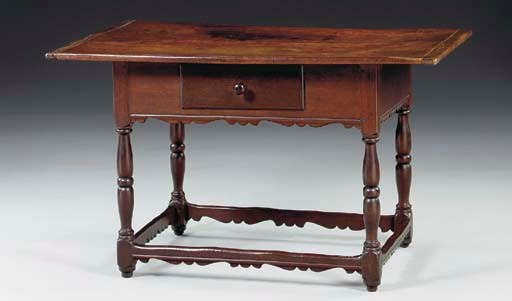 A WILLIAM AND MARY WALNUT TAVE