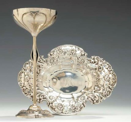 FIVE SILVER TABLE OBJECTS,
