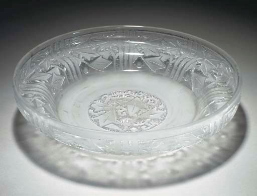 AN ETCHED GLASS BOWL,