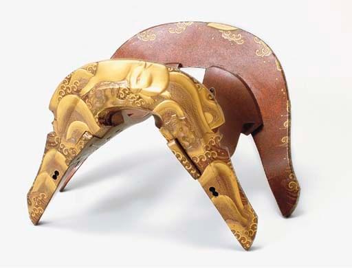 A Lacquered-Wood Saddle (Kura)