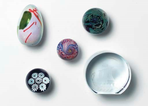 A MISCELLANEOUS GROUP OF GLASS
