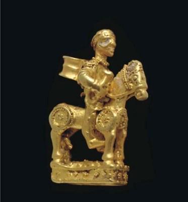 A SCYTHIAN GOLD PENDANT