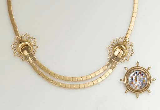 A GROUP OF GOLD JEWELRY