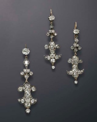 A SET OF ANTIQUE DIAMOND JEWEL
