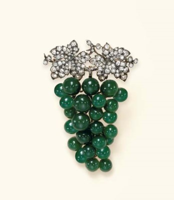 AN ANTIQUE DIAMOND AND GREEN C