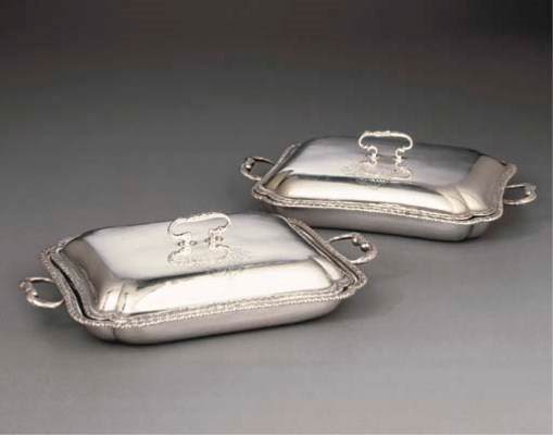 A PAIR OF GEORGE III SILVER BA