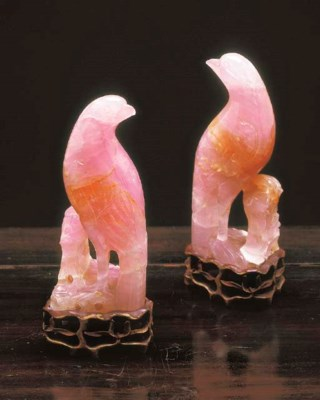 A PAIR OF CHINESE ROSE QUARTZ