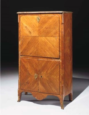 SECRETAIRE D'EPOQUE TRANSITION
