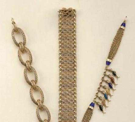 Tre bracciali in oro