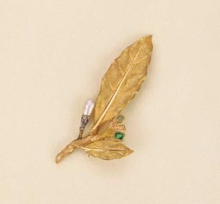 Spilla in oro con perla keshi