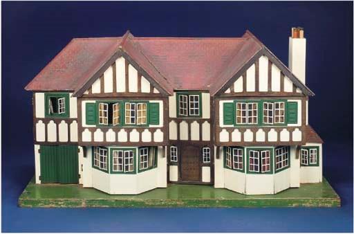 A Tri-ang Dolls' House No.93 o