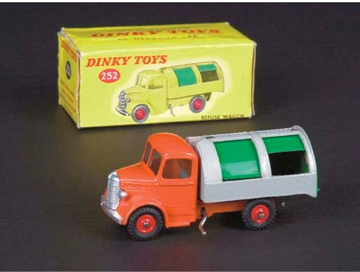 Dinky 252 Bedford Refuse Wagon