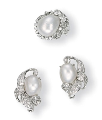 A SET OF BAROQUE CULTURED PEAR