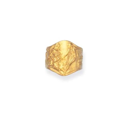 A GOLD RING, BY RENE LALIQUE