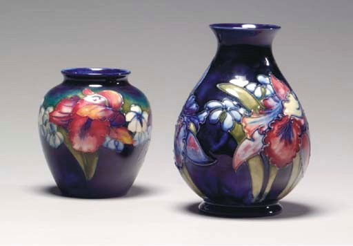 A GROUP OF MOORCROFT POTTERY T