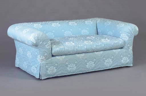 A CONTEMPORARY BLUE DAMASK UPH