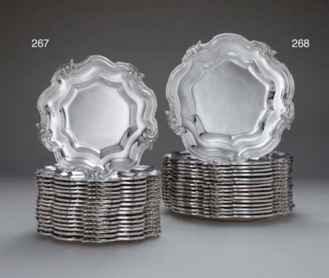 A SET OF SIXTEEN FRENCH SILVER
