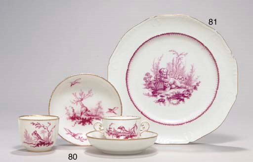 A VINCENNES LOBED PLATE (ASSIE