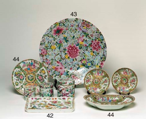 A CHINESE CANTONESE PORCELAIN