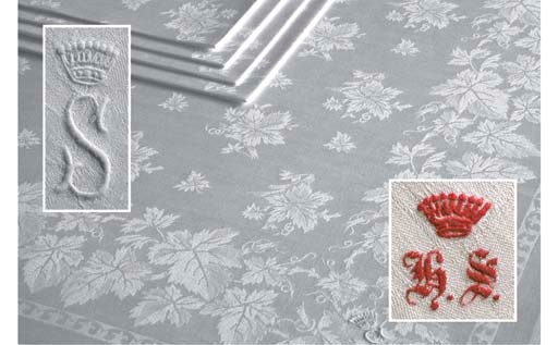 An assorted lot of damask line
