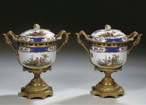 A pair of Meissen porcelain ou