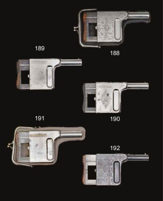 A 8mm C.F. MITRAILLEUSE FIVE-S