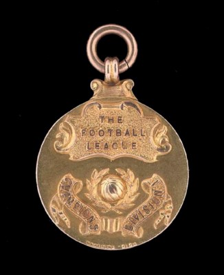 A 9CT GOLD 1929-30 DIVISION 1